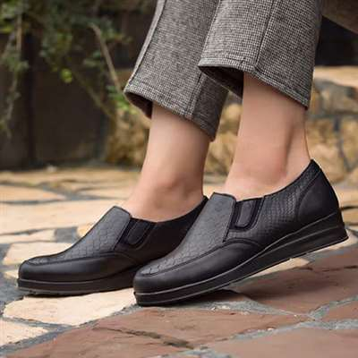 کفش  اسپرت طبی